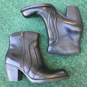 NWT Born Anny Boot Leather Black 9.5
